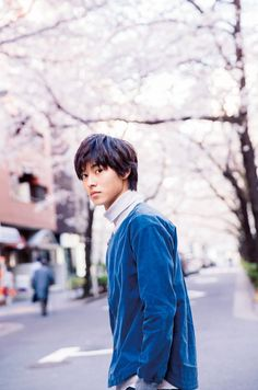 Find images and videos about japan, jpop and kento yamazaki on We Heart It - the app to get lost in what you love. Asian Actors, Korean Actors, L Dk, J Star, Kento Yamazaki, L Lawliet, Japanese Boy, Actor Model, Handsome Boys