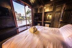 Budget Boutique & Design hotels I Special offers Boutique Hotel Bangkok, Boutique Hotels, Double Room, Hotel Reservations, Cheap Hotels, Boutique Design, Queen Size Bedding, Hotel Reviews, Trip Advisor