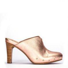 Zueco Pedro Miralles en piel metalizada rosa con tacón de madera #shoes #shoeporn #trends #ss16 #shoes #pedromiralles #shoeaddict #madeinspain