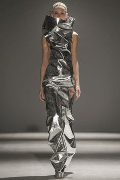 Gareth Pugh Ready To Wear Fall Winter 2014 Paris - NOWFASHION