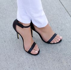 Beautiful Black Summer Pumps.