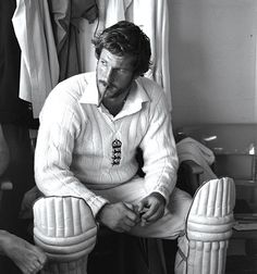 Ian Botham of England smokes a cigar before his match winning 149 not out during the third Test Match against Australia at Headingley in Leeds. England won the match by 18 runs. Fully fledged hero of a man. He changed English cricket Test Cricket, Cricket News, Cricket Sport, Cricket Bat, Live Cricket, Ian Botham, Cricket England, World Cricket, Iconic Photos