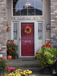 Make this DIY house numbers to improve curb appeal, help people find your house on the street. Quit painting on cement, try these DYI house number ideas. Front Door Numbers, Front Door Colors, Front Door Decor, House Numbers, Front Porch, Front Doors, Red Doors, Mailbox Numbers, Screen Doors