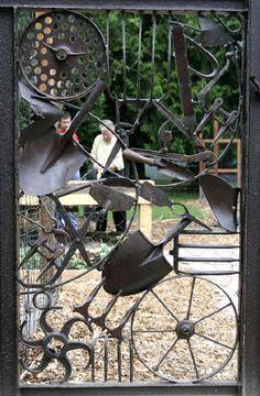 Voici quelques photos de portails de jardin vraiment uniques et très  originaux. Ils pourront peut-être vous aider à trouver des idées pour le  design de d4de1c42e85a