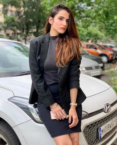Riya Kishanchandani is one of the well known Tik Tok star in india . She is the fastest growing tik toker in india . She holds 4.7 Millions followers with popular creator on Tik Tok and on instagram near about 233K followers  . Her Smile, Height And Weight, Net Worth, Beautiful Actresses, Boyfriend, Leather Jacket, Singer, India, Actors