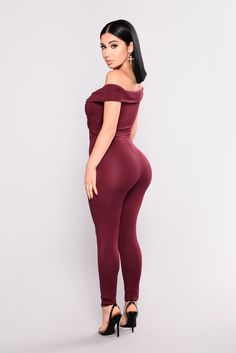 Twist and Take Jumpsuit - Burgundy – Fashion Nova Fashion Models, Fashion Outfits, Women's Fashion, Female Fashion, Dress Fashion, Burgundy Jumpsuit, Burgundy Fashion, Nice Bikinis, Bodycon Dress With Sleeves