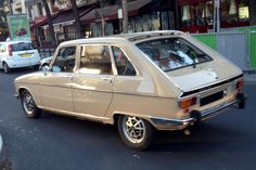 Renault 16 TX, a classic car offered by Chris - Erica Lucas (Car & Car) Auto Retro, Retro Cars, Vintage Cars, Car Photos, Car Pictures, 1968 Ford Mustang Fastback, Range Rover Classic, Cool Sports Cars, Ford Classic Cars