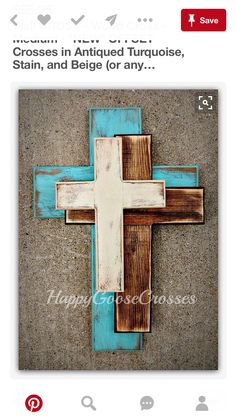 Wall Wood Cross - OFFSET - Medium - Antiqued Turquoise, Stain, and Beige Cruz Cruz de madera medio de la pared nueva OFFSET Arte Pallet, Wooden Crosses, Crosses Decor, Cross Wall Decor, Wall Crosses Diy, Decorative Crosses, Deco Design, Design Design, Design Ideas