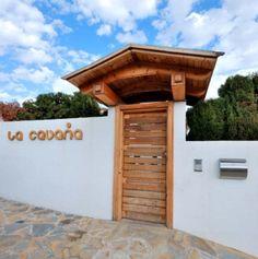 Entrada a la Guardería La Cabaña