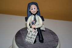 Opthalmologist (Eye Doctor) Cake by Ban Bakes - In Paris, via Flickr