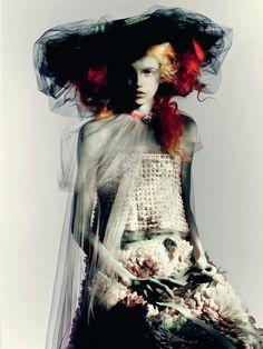 Molly Blair por Paolo Roversi para Vogue Italia Março 2015