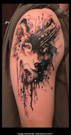 Abstract Wolf Head Tattoo On Right Shoulder
