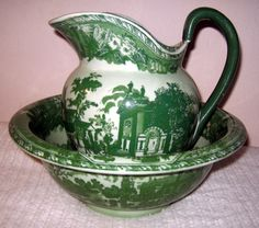 VTG ANTIQUE IRONSTONE PITCHER GREEN COLONIAL SCENES MARKED.
