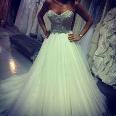 I wouldn't get this for my wedding, but it's gorgeous!