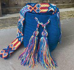 Crochet Handbags, Crochet Purses, Crochet Bags, Knit Crochet, Hand Embroidery Art, Tapestry Crochet, Trendy Accessories, Crochet Crafts, Everyday Outfits