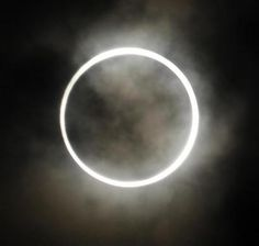 A view of an annular solar eclipse from Tokyo May 21, 2012. REUTERS-Issei Kato
