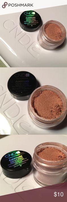 CND Additives 💅🏽 Blush Bronze Frost CND Additives 💅🏽 Blush Bronze Frost - Use over Shellac to give a little glimmer CND Other