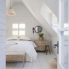 Brilliant Attic remodel,Attic renovation insulation and Small attic bathroom designs. Attic Bedroom Small, Bedroom Loft, Master Bedroom, Bedroom Decor, Attic Bathroom, Bedroom Ideas, Bedroom Signs, Wood Bedroom, White Bedroom