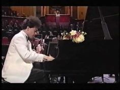 Evgeny Kissin - Rachmaninov: Prelude in G minor [Live at the First Night of the 2000 BBC Promenade Concerts in London's Royal Albert Hall, Evgeny Kissin played Rachmaninov's 2nd Piano Concerto and followed it with this stunning encore, the same composer's Prelude in G minor. It is No. 5 in Rachmaninov's Opus 23 set of 10 Preludes, dating from 1901.] ~J