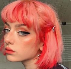Discovered by ♡Only Girls♡. Find images and videos about girls, makeup and colored hair on We Heart It - the app to get lost in what you love. Green Hair, Pink Hair, Pink And Orange Hair, Peach Hair, Hair Inspo, Hair Inspiration, Short Dyed Hair, Aesthetic Hair, Hair Dye Colors