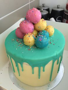 White choc mud Ombre cake with ganache and cake pops... Credit to Rosie's desert spot for the look.