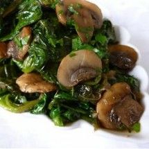 Mushrooms and Spinach Italian Style: delicious side dish! veggies are sautéed in olive oil w garlic & wine. yum!!