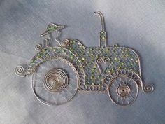 Traktor z drôtu od Marushky. Artmama.sk