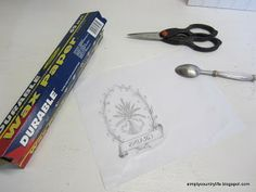 Transferring inkjet images using waxed paper Wood Crafts, Fun Crafts, Paper Crafts, Diy Craft Projects, Projects To Try, Craft Ideas, Stamp Carving, Bread Boxes, Photography Gifts
