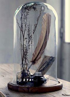 The bell jar - o idee de a păstra și expune obiecte prețioase - decorette The Bell Jar, Glass Bell Jar, Glass Domes, Bell Jars, Glass Dome Display, Glass Globe, Cloche Decor, Do It Yourself Decoration, Apothecary Jars