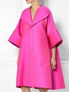 The Terrier and Lobster: The Daily Frock: Antonio Berardi Oversized Hot Pink Scuba-Satin Coat Abaya Fashion, Fashion Dresses, Vetements Clothing, Satin Coat, Mode Abaya, Moda Chic, Striped Maxi Dresses, Hot Pink Dresses, Midi Dresses