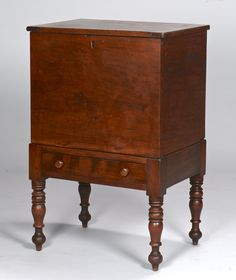 Middle Tennessee sugar chest, cherry primary and poplar secondary wood. Dovetailed locking top case and hinged top with pegged bread board ends, interior with undivided well. Southern Furniture, Country Furniture, Antique Furniture, Antique Cupboard, Antique Chest, Blanket Chest, Early American, Wooden Boxes, Art Decor