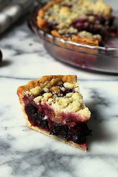 Sweet Cherry Pie with Crumble Topping - This pies hidden ingredient is crystalized ginger in the crumble! Adds a touch of spice that keeps it from being too sweet. A Summertime favorite! Cherry Recipes, Tart Recipes, Sweet Recipes, Dessert Recipes, Cooking Recipes, Sweet Cherry Pie, Sweet Pie, Cherry Pies, Just Desserts