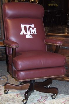 Gig 'em Aggies. Texas A & M show your school spirit while you work.