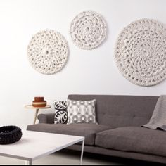 Crochet wall hanging; in teal, yellow and white for bedroom?? I like! ༺✿ƬⱤღ✿༻