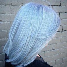 Light blue hair hair в 2019 г. pastel blue hair, baby blue h Baby Blue Hair, Pastel Blue Hair, Hair Color Blue, Cool Hair Color, Hair Colors, Short Pastel Hair, Pastel Outfit, Colorful Hair, Gray Hair