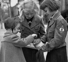 History Nazi coursework HELP :)?