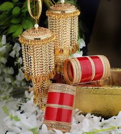 Kaleere is that accessory for which brides go crazy for, specially the Punjabi Bride. Apart from the beauty that the Kaleere adds, they are also a significance South Indian Wedding Hairstyles, Simple Wedding Hairstyles, Bridal Wedding Dresses, Bridal Outfits, Bridal Chuda, Bridal Bangles, Bridal Stores, Special Day, Wedding Inspiration