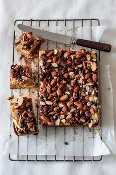 5 ingredient chocolate nutty magic bars - via The Kate Tin