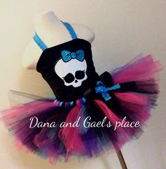 Hey, I found this really awesome Etsy listing at https://www.etsy.com/listing/182259771/cute-baby-girl-monster-high-skull-tutu
