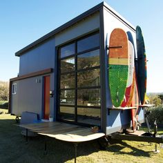 Surfers Amber and Tommy are building a tiny house for a chance to have it all--owning a home with an ocean view in Santa Barbara for a reasonable price.