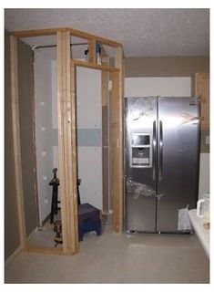 Corner Pantry Cabinet, Kitchen Corner, Kitchen Redo, Kitchen Storage, Room Kitchen, Closet Storage, Kitchen Cabinets, Kitchen Ideas, Corner Cabinets
