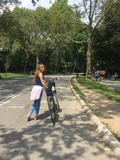 #rodingbicycle #centralpark #casualstyle #damageddenim