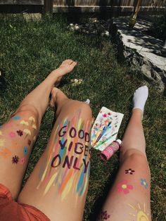 - - - In this article, you will see the o. - Hobbies paining body for kids and adult Bodysuit Tattoos, Art Actuel, Art Sur Toile, Leg Painting, Skin Paint, Leg Art, Cute Friend Pictures, Summer Aesthetic, Aesthetic Body