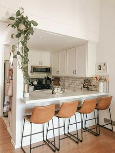 Home Decor Kitchen, Kitchen Interior, Home Kitchens, Kitchen Ideas, Design Kitchen, Kitchen Layouts, Design Apartment, Cute Apartment Decor, Dream Apartment