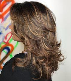 Medium Hair Cuts, Medium Hair Styles, Curly Hair Styles, Medium Layered Hairstyles, Hairstyles For Medium Length Hair With Layers, Layered Haircuts For Women, Brown Hair With Blonde Highlights, Hair Highlights, Blonde Streaks