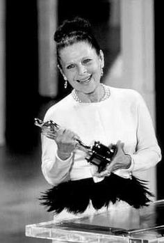 "Ruth Gordon, Best Supporting Actress 1968 for ""Rosemary's Baby"""