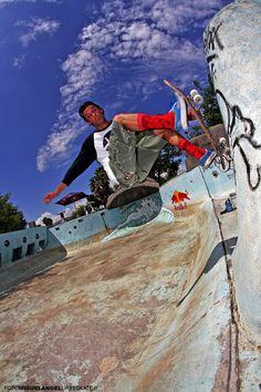Enrique Novoa - Wallride - Foto: Miguel Angel López Virgen - Urbeskate - Skateboard Mexico