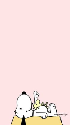 wallpaper do snoopy Snoopy Wallpaper, Funny Iphone Wallpaper, Disney Phone Wallpaper, Aesthetic Iphone Wallpaper, Snoopy Love, Charlie Brown And Snoopy, Snoopy And Woodstock, Snoopy Pictures, Apple Watch Wallpaper