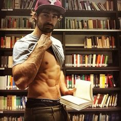 3Hƒ0® | #Jshowme your collection of books... and the #Jsixpack of course!!
