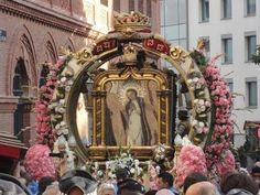 2015 Madrid Virgen de la Paloma Exits Church - YouTube